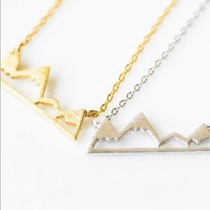 Jewelry - Snow mountain gold necklace 🗻🏔⛰